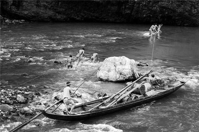 【神农溪纤夫】神农溪纤夫摄影,神农溪裸体纤夫摄影te-space: normal;